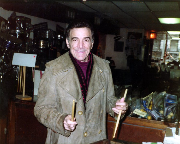 Louie Bellson at Drummers World in the mid 1980s